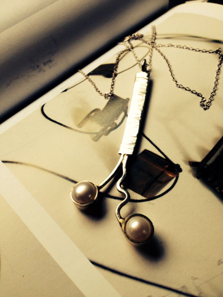 Rustic silver and fresh water pearl pendent