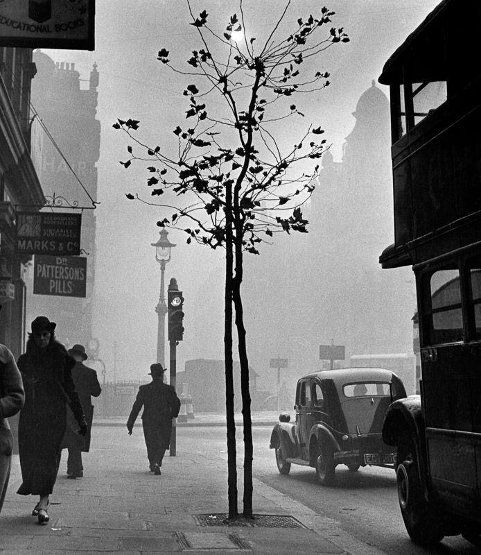 Charing Cross Road, London. 1937. Photograph by Wolfgang Suschitzky