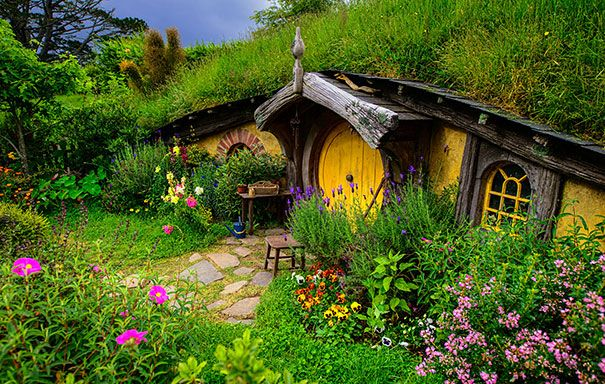 Fairy-tale-houses... Hobbit house in New Zealand