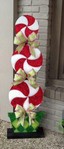 Arreglo de 3 caranelos con diseño de navidad (es parado el arreglo)