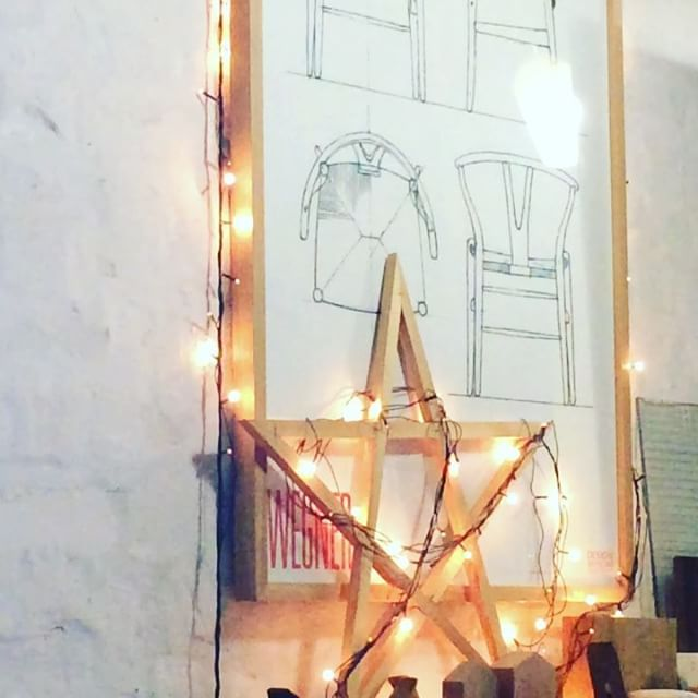Happy December from the team of WoodworkLAB. 🌲🌲🌲 #woodworklab #xmas #christmas #december #holidays #holidaysarecoming #christmaslights #stars