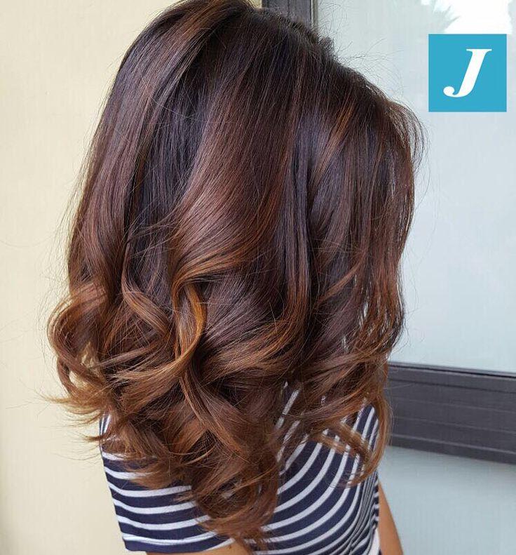 Sfumature cioccolato e nocciola _ Degradé Joelle #cdj #degradejoelle #tagliopuntearia #degradé #igers #musthave #hair #hairstyle #haircolour #longhair #ootd #hairfashion #madeinitaly #wellastudionyc