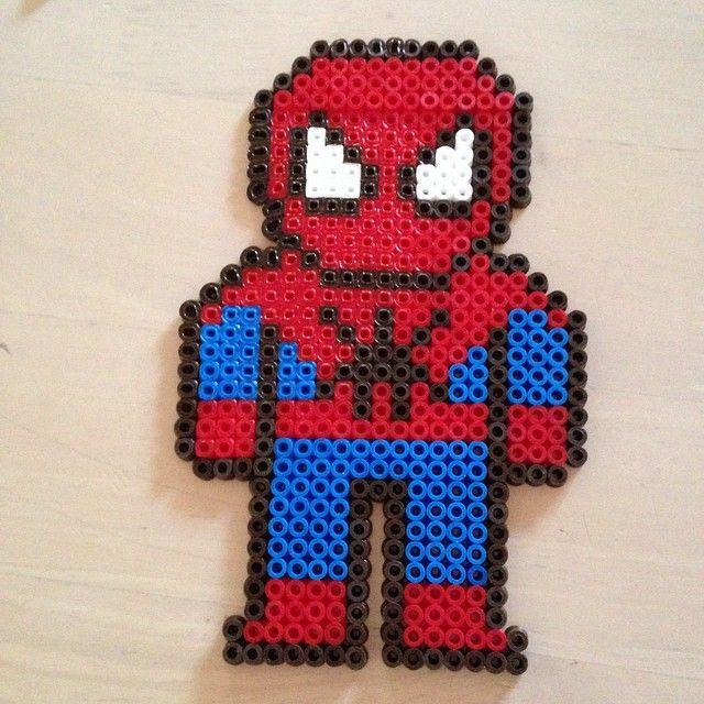 Spiderman hama perler beads by silden1985