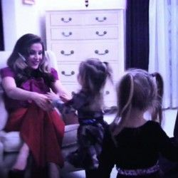 lisa_marie_presley_twins_video_shoot