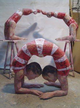 The secret life of a contortionist - Joan Priego http://the-art-blog.info/2071/joan-priego-contemporary-wooden-sculpture/