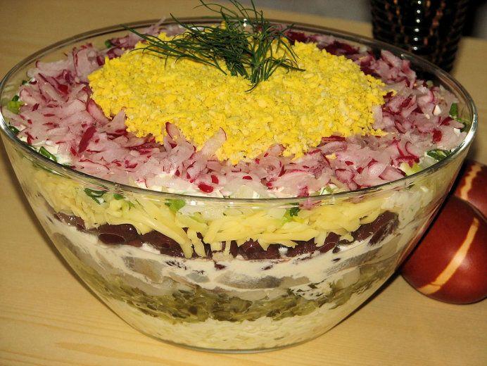 Wielkanocna warstwowa sałatka na kolorowo - zdjęcie 2