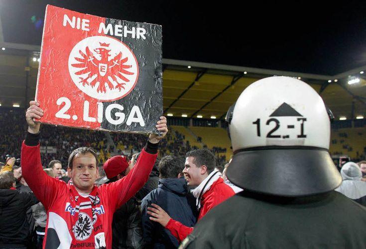 2. Bundesliga: Aufstieg: Eintracht Frankfurt kehrt in Fußball-Bundesliga zurück - badische-zeitung.de