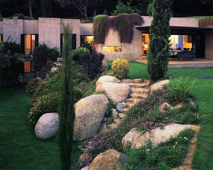 Oltre 25 fantastiche idee su giardino terrazzato su - Idee giardino in pendenza ...