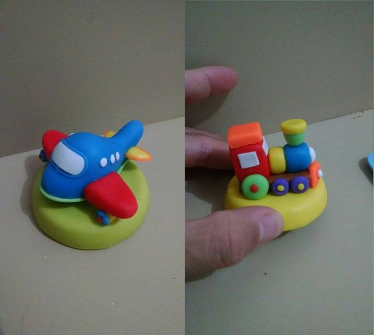 Pote de papinha no tema brinquedos  feito em biscuit  O preço é referente ao aplique de brinquedo + o potinho de papinha  faço os brinquedos escolhidos pelo comprador