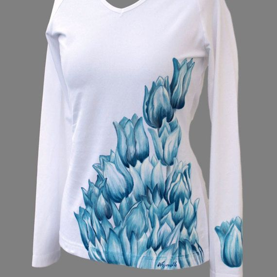 Hand-painted T-shirt with blue flowersfloral handmade by Aryonelle