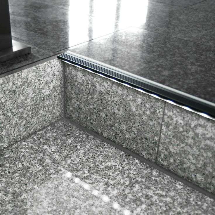 treppenkanten aluminiumprofil mit led stufenbeleuchtung. Black Bedroom Furniture Sets. Home Design Ideas