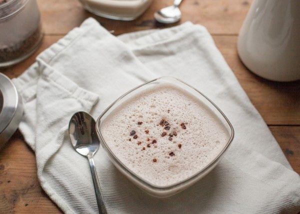 Banaan-vanillepudding met cacaonibs