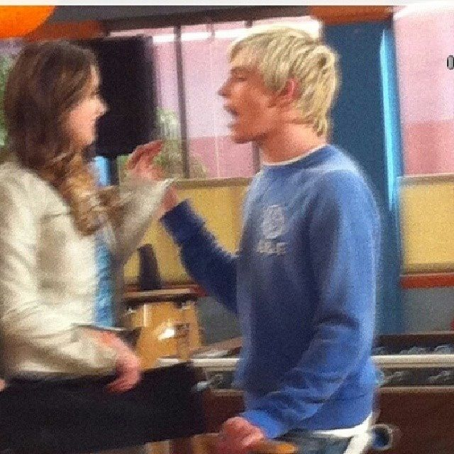 ross lynch and laura marano relationship questions