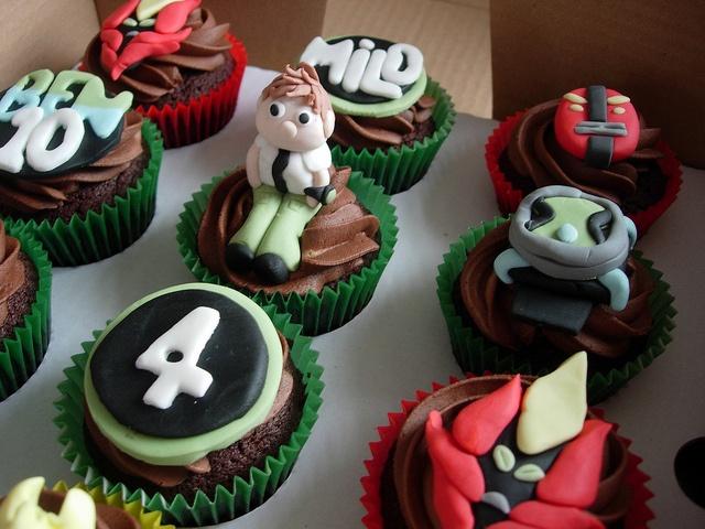 Ben 10 cupcakes