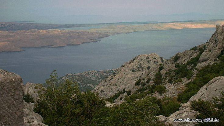 Na Morzu Adriatyckim u wybrzeży Dalmacji. Piąta co do wielkości wyspa Chorwacji, mająca jednak najdłuższą linię brzegową. Pag Więcej informacji o Chorwacji pod adresem http://www.chorwacja24.info/pag #pag #croatia #chorwacja