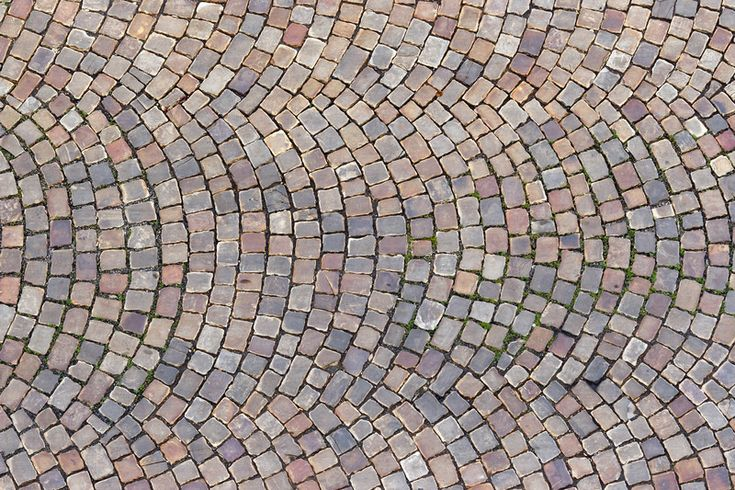 Kopfsteinpflaster selbst verlegen. Verlegen Sie Naturstein selbst, Schritt für Schritt erklärt. Ein natürliches Pflaster für eine rustikale Außenanlage.