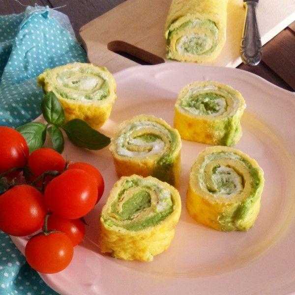 Rotoloni di frittata freddi con zucchine e formaggio