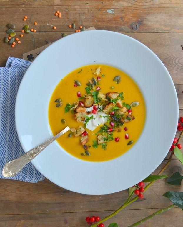 KÜRBIS-LINSEN-SUPPE  Köstliche Suppe aus Kürbis, Linsen und Kartoffeln! Mit wenigen Zutaten ist ein leckerer Seelenwärmer gezaubert!