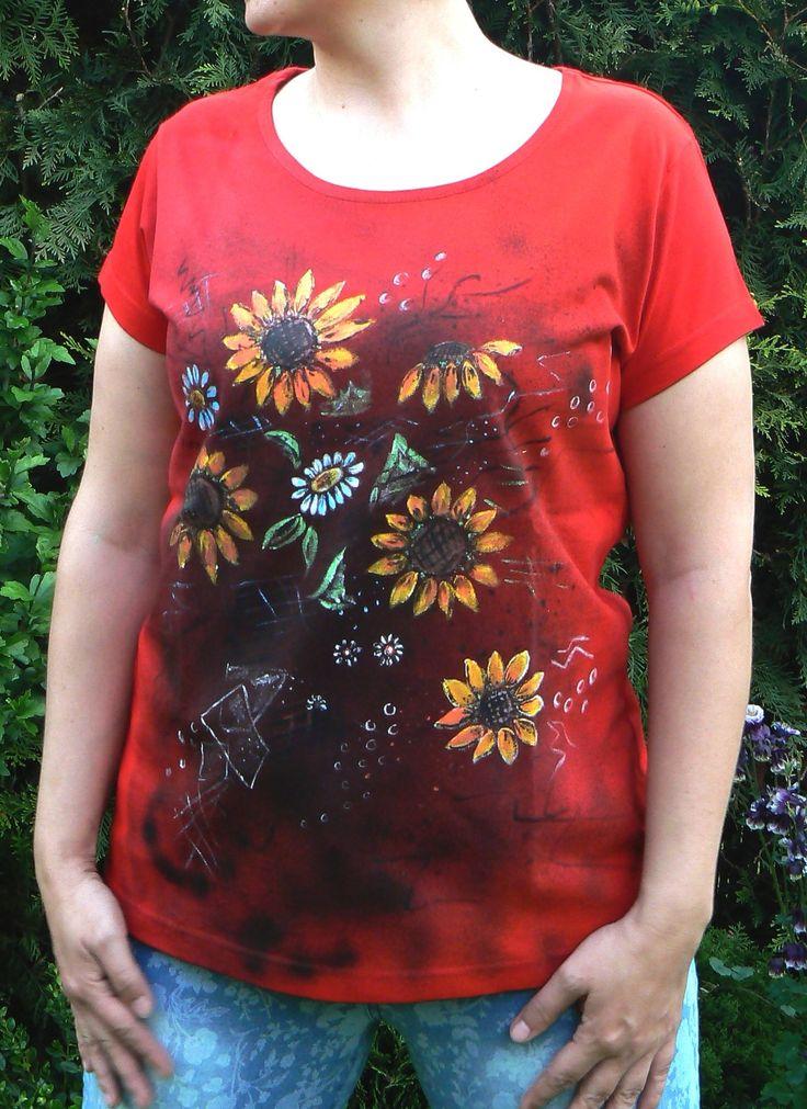 Malováné+dámské+tričko+slunečnice+vel.+XL+Originál+malované+tričko+značky+ADLER+Pure+velikosti+XL.+Materiál:+bavlna+-+gramáž+150+g/m2,+červené+barvy.+Doporučuji+prát+po+rubu+na+30stupňů+na+šetrný+program+-+obrácené+obrázkem+dovnitř.+Žehlit+na+bavlnu,+motiv+přes+plátno+nebo+po+rubu.+Barvy+jsou+do+trička+tepelně+zafixovány+žehlením.