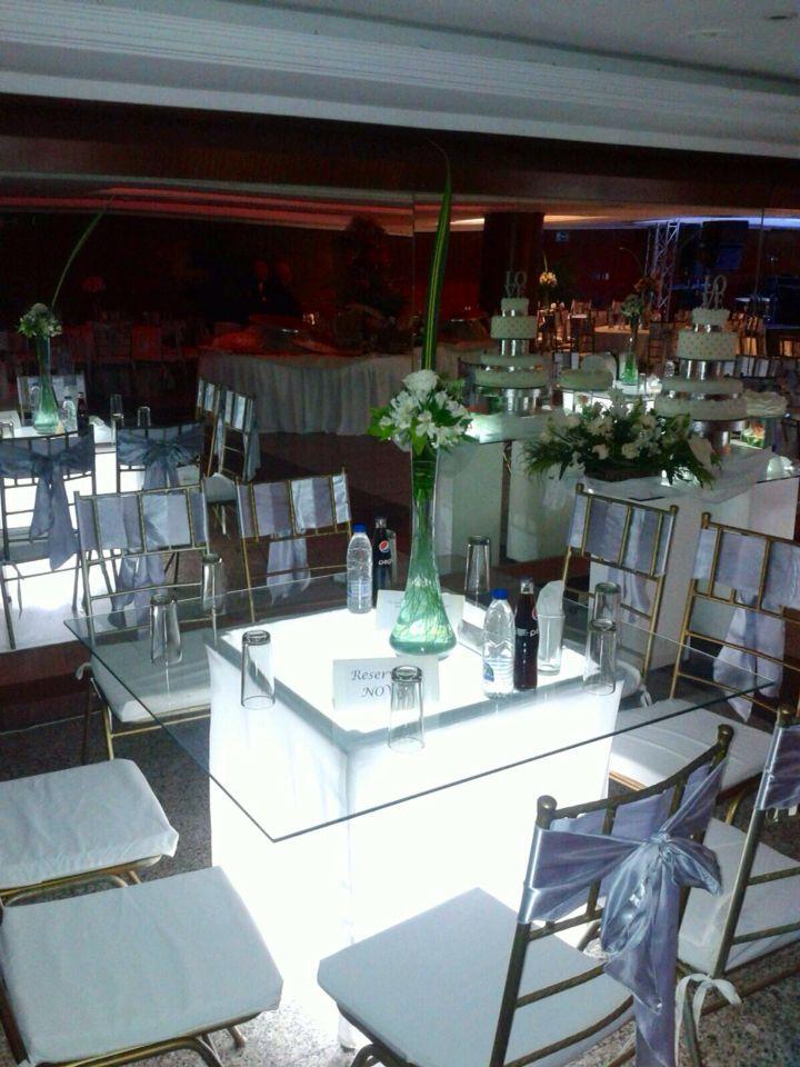 Festejos asiel ofrece espectaculares mesas iluminadas - Ideas para bodas espectaculares ...