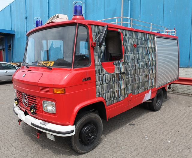 1000 images about mercedes camper on pinterest buses for How do you spell mercedes benz