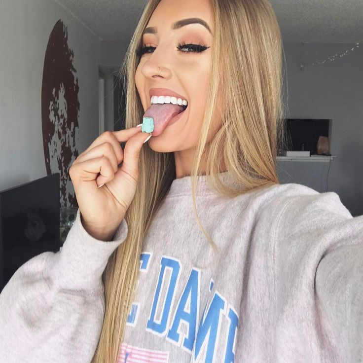 "30.6k Likes, 96 Comments - Aspen Mansfield (@okaspen) on Instagram: ""can't believe it's been a year since I started taking @sugarbearhair gummies they're too good and…"""
