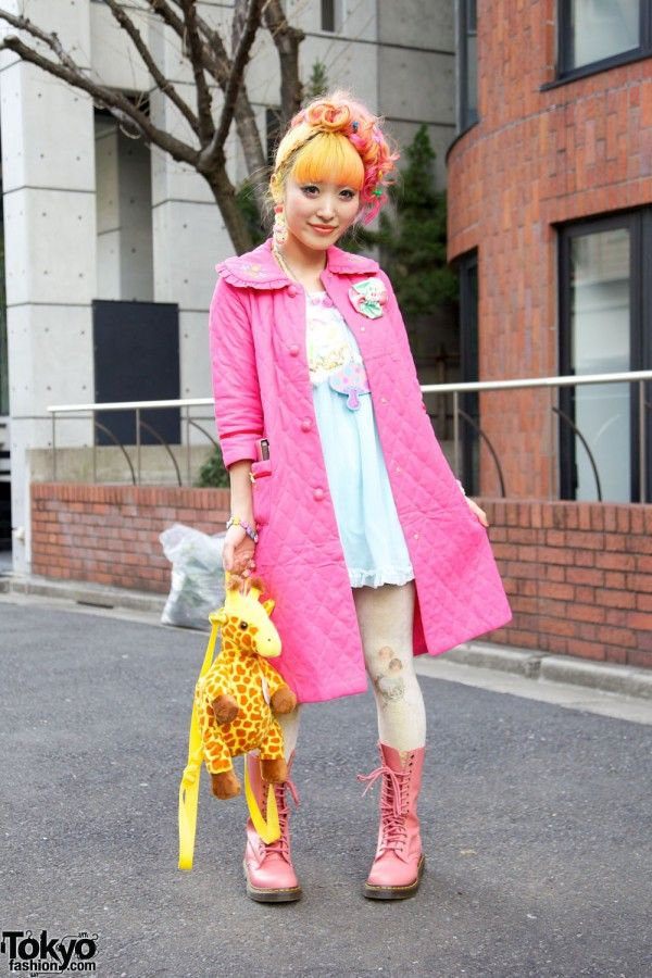 From the Harajuku Fashion Walk, by TokyoFashion.com