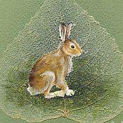 Купить или заказать Картина 'Летняя совушка' в интернет-магазине на Ярмарке Мастеров. Живопись на скелетированном листе. Лист с рисунком не приклеен и легко вынимается. Оформлен в деревянную рамку, убран под стекло.