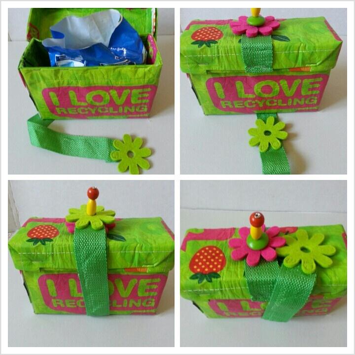 Boîte de poudre à vaisselle décorée
