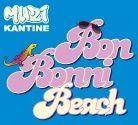 Bon Bonni Beach - Muzikantine (2016) Een vakantie langs tropische witte stranden eindigt met een schip op de rotsen. Het nabije 'onbewoonde' eiland is de redding. Onder de schipbreukelingen bevinden zich o.a. een acteur, grappige bejaarden en een inspecteur van politie. Lees meer... #musicalgroep8 #eindmusical #afscheidsmusical #muzikantine