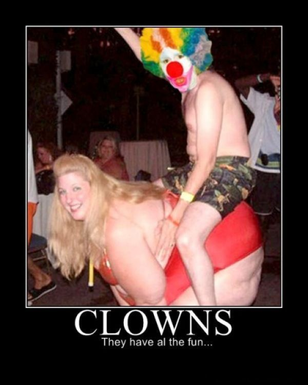 Clowns: Laughing, Funnies Pictures, Funnies Pics, Odd Couple, Humor, Funnies Shit, Wtf, Funnies Stuff, Demotivational Poster
