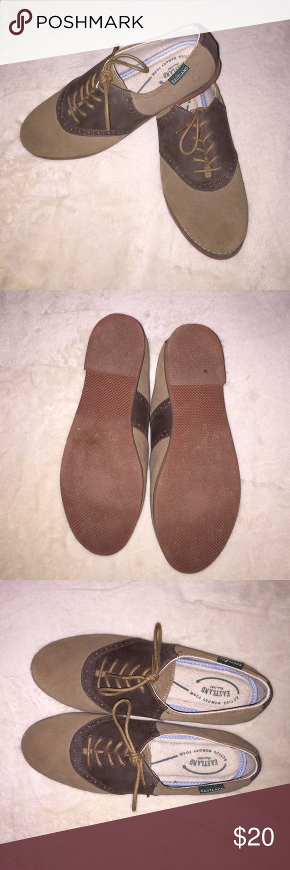 Eastland shoes Women's Gently used Eastland shoes that have only been worn 2x. They are in a size 7.5 Eastland Shoes Flats & Loafers