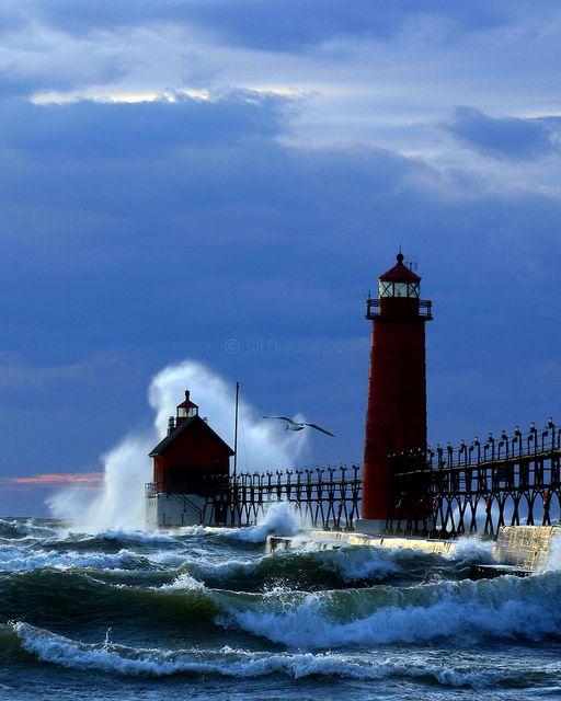 34 Best Lighthouses Majestic Beautiful Symbolic Images
