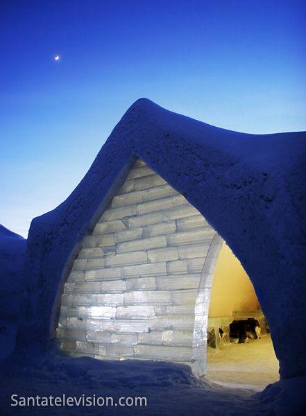 Arktisches Schneehotel (Arctic Snowhotel) in Rovaniemi in Lappland, Finnland