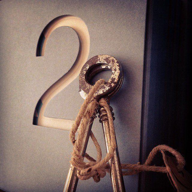 """La bomboniera """"Due"""", è una raccolta di 119 poesie.  www.amatelier.com"""
