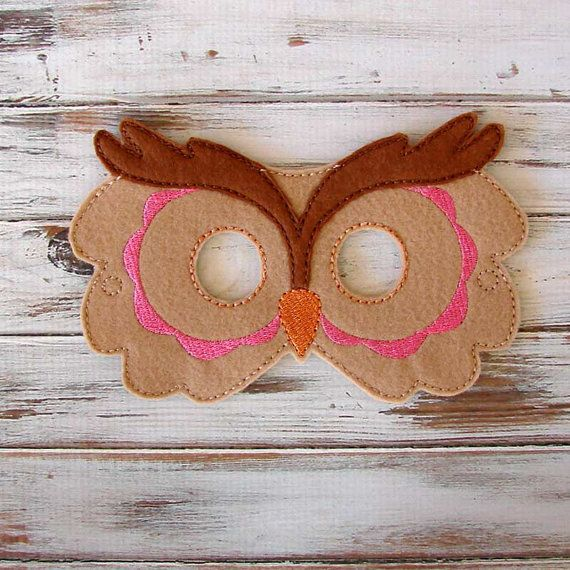 Kids owl mask is great for Halloween or costume party. Felt owl masks are fun party favors for animal themed birthday parties.  Owl felt mask