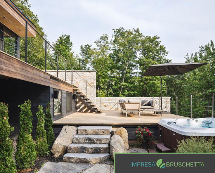I 4 scalini di roccia rendono questa scala unica. Guardiamo anche a destra l'idromassaggio 😂😂   http://www.impresabruschetta.it/blog-bruschetta/