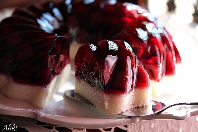 Μυρωδιές και νοστιμιές: Καλοκαιρινό ζελέ με κεράσια και σιμιγδάλι