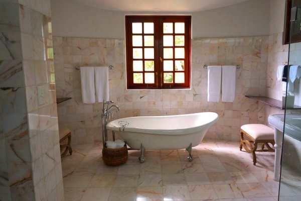 Bathtub Reglazing Tampa FL  Vintage Standalone Cast Iron Clawfoot Quotes