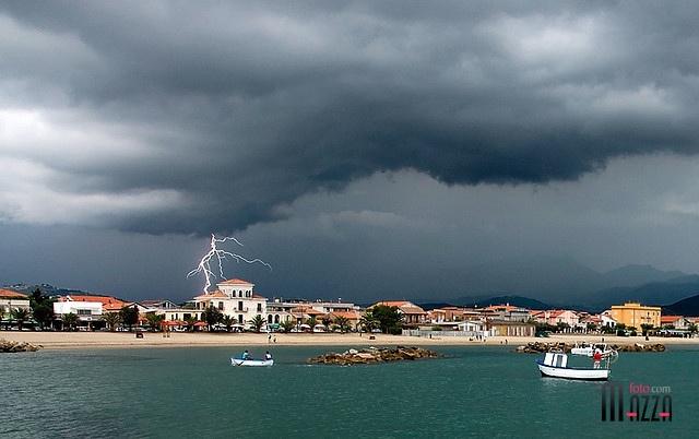 Temporale settembrino a Casal Velino by lelemz, via Flickr