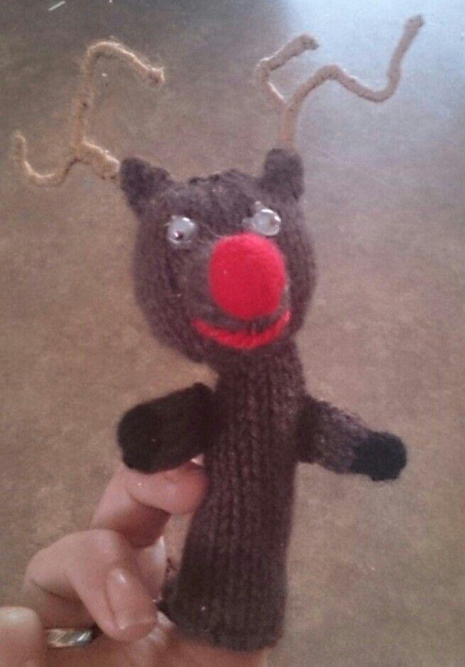 Knitted reindeer - finger puppet