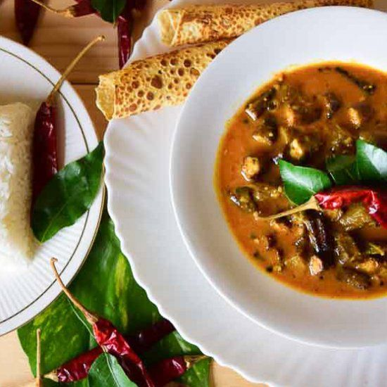 Sambar is a lentil based stew which is primarily flavoured with 'Sambar Powder' and tamarind pulp.