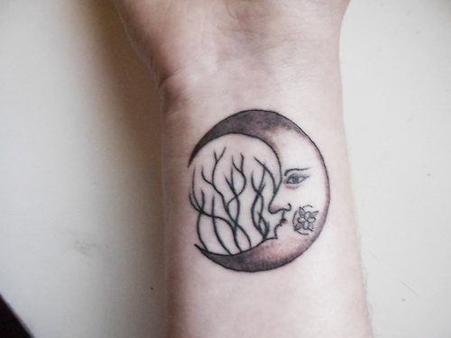 14 best images about space moon tattoos on pinterest for Moon tattoo tumblr
