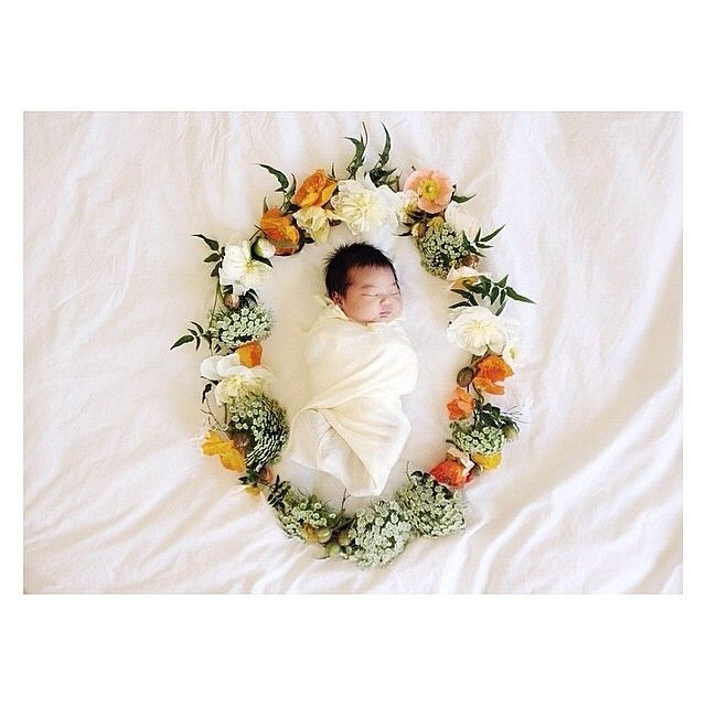 I know I have pinned a couple things along this line already but it is my FAVORITE idea for a newborn photo and would make an adorable baby H announcement card!