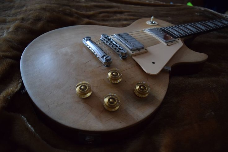 Gibson Les Paul Studio Guitar Review. Source: adamharkus.com