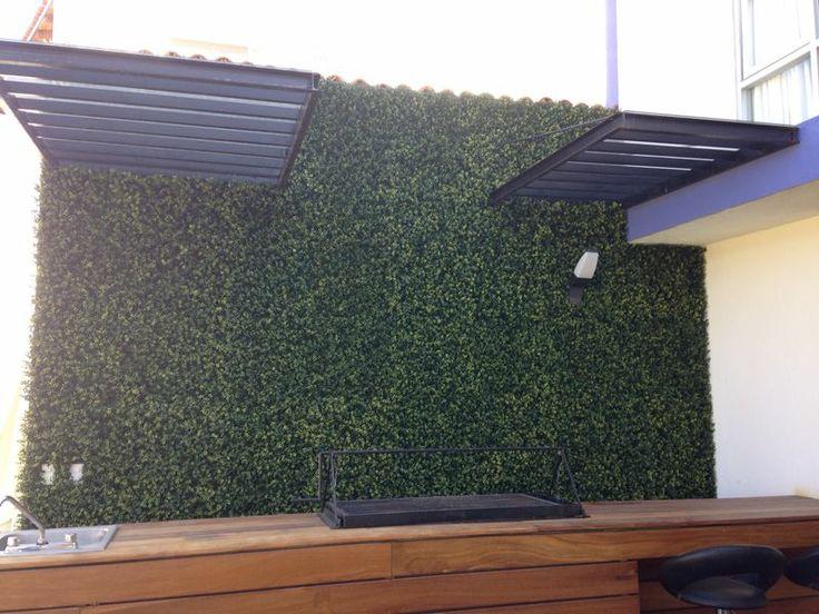 Muro verde de follaje artificial en juriquilla quer taro for Tela para muro verde
