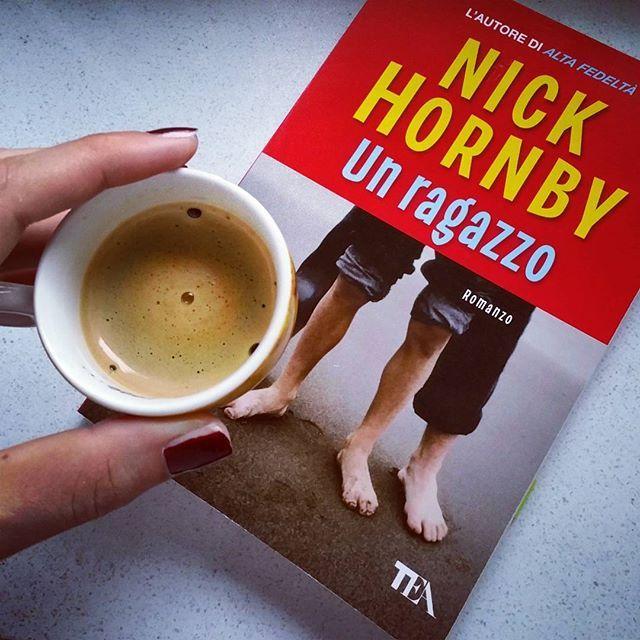 Leggere un ragazzo di Nick Hornby, la recensione su paroleombra.com