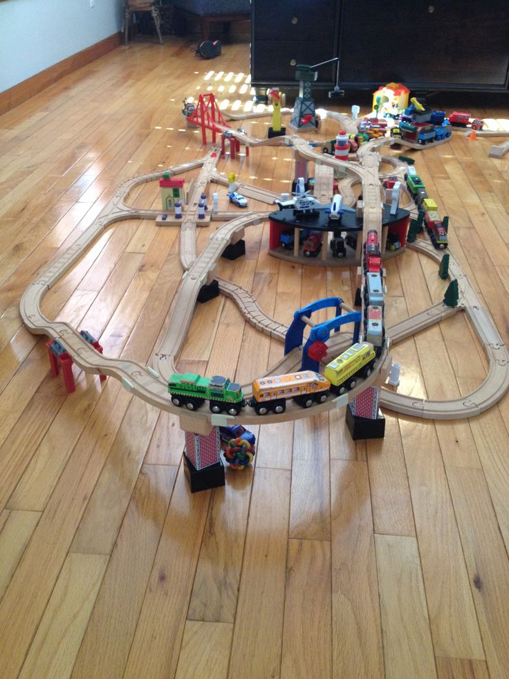 Thomas wooden train track design
