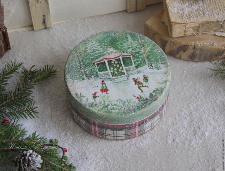 vintage box сhristmas ice rink