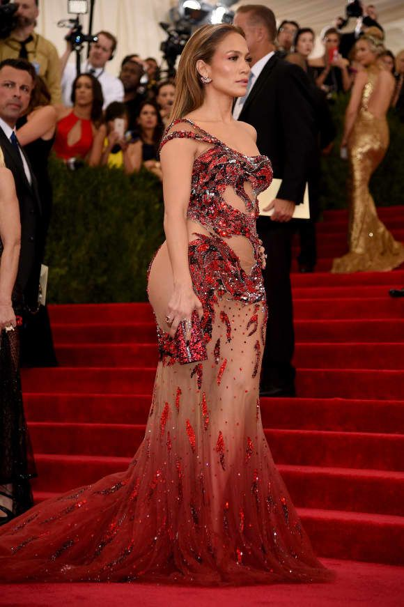 Met Gala 2015: Die sexy Outfits von JLo, Beyonce & Co. – PROMIPOOL – Stars & Styles